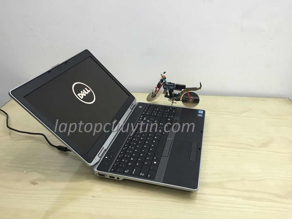 Laptop cũ Dell E6530 (Core i5-3320M, Ram 4GB, Ổ 250GB, Màn 15.6 inch HD)